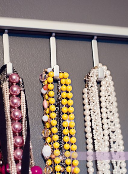 {DIY} Necklace Display
