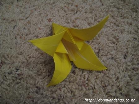 diy wedding place setting origami flowers
