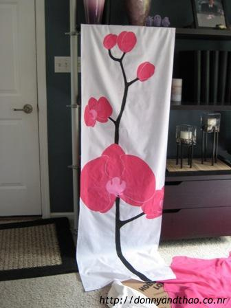 A finished DIY orchid panel