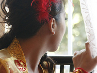 chinese vietnamese wedding tea ceremony, waiting for the groom